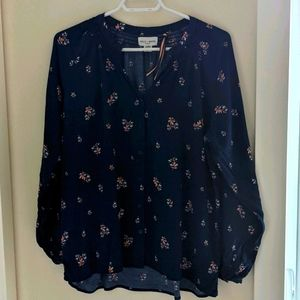Holly & Whyte by Linden Floral Blouse